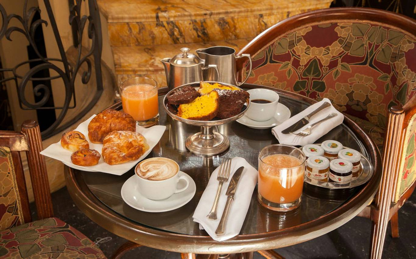 boutique-hotel-anahi-rome-common-areas-breakfast-03