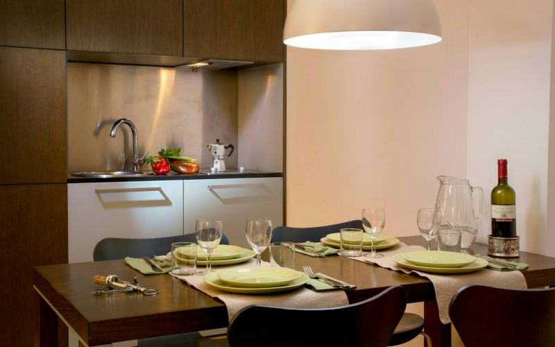 hotel-anahi-rome-apartment-table-dinner-white-50